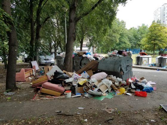 Хорор на Новом Београду: Ђубре затрпало вртић! (фото) 7