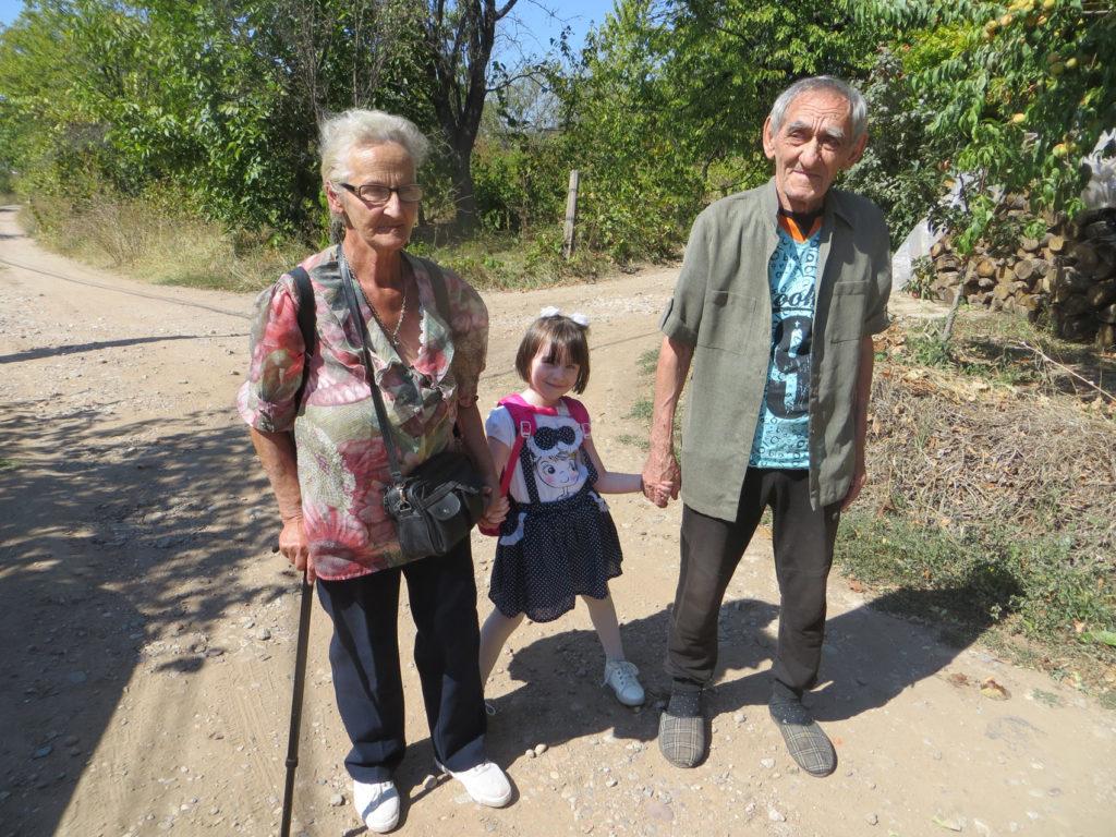 Детињство на хлебу и масти и живот 115.000 деце у Србији која живе у апсолутном сиромаштву 2