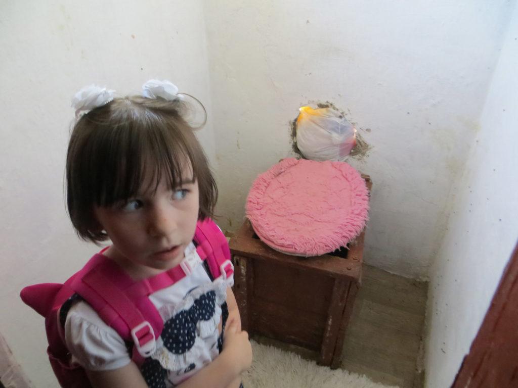 Детињство на хлебу и масти и живот 115.000 деце у Србији која живе у апсолутном сиромаштву 4