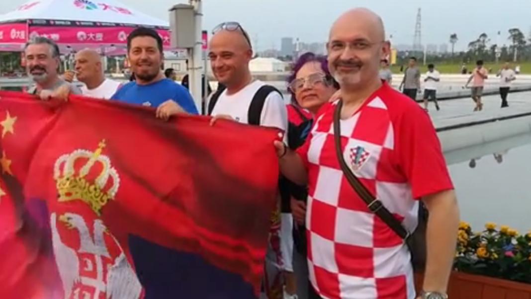 Hrvat navijao za Srbiju protiv SAD  Hrvat-1-1068x602